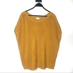 3/$25 Old Navy Short Sleeve Crochet Pullover XXL